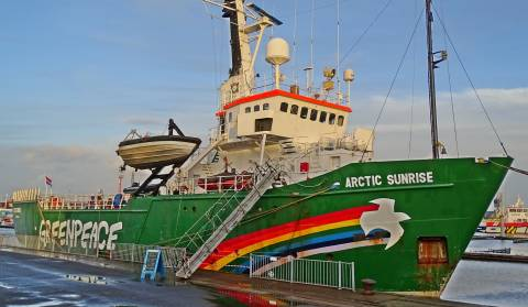 U riječku luku uplovio je Greenpeaceov Rainbow Warrior III