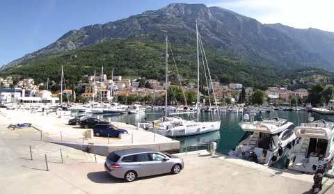 Baška Voda - Port, view towards Biokovo