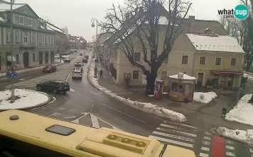 Karlovac, Trg bana Petra Zrinskog