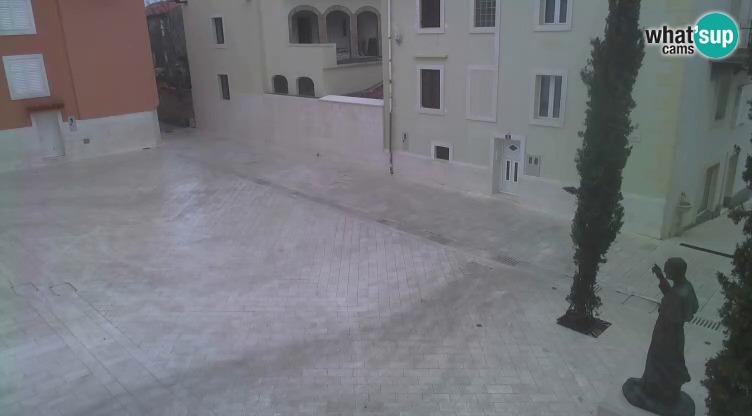 Novalja -  Trg Alojzija Stepinca i Dalmatinska ulica