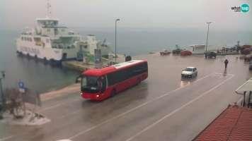 Tkon, Ferry